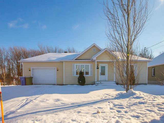 Maison à vendre à Saint-Bernard, Chaudière-Appalaches, 132, Rue  Faucher, 10595699 - Centris.ca