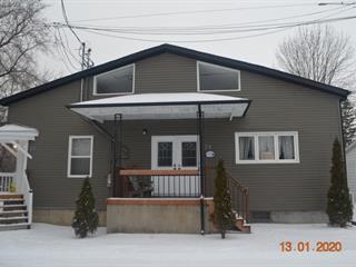 Triplex à vendre à Les Coteaux, Montérégie, 28 - 32, Rue  Doucet, 13499520 - Centris.ca