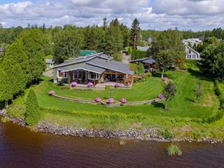 House for sale in Saguenay (Lac-Kénogami), Saguenay/Lac-Saint-Jean, 3747, Rue des Trembles, 15975185 - Centris.ca