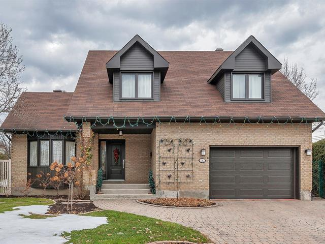 House for sale in Kirkland, Montréal (Island), 242, Rue  Acres, 23686821 - Centris.ca