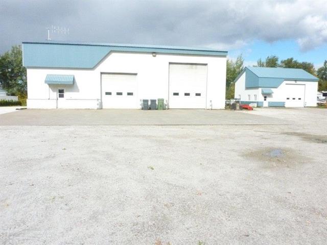 Bâtisse industrielle à vendre à Dolbeau-Mistassini, Saguenay/Lac-Saint-Jean, 93, Rue des Bassins, 11762374 - Centris.ca