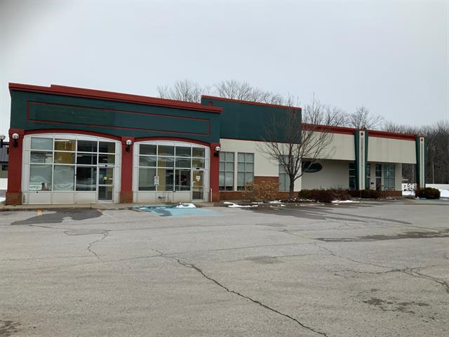 Bâtisse commerciale à vendre à Trois-Rivières, Mauricie, 2745 - 2747, boulevard  Thibeau, 17014630 - Centris.ca