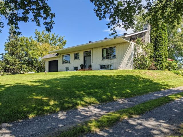 Duplex à vendre à Saint-Liboire, Montérégie, 1230Z - 1232Z, Rang  Saint-Édouard, 18598448 - Centris.ca