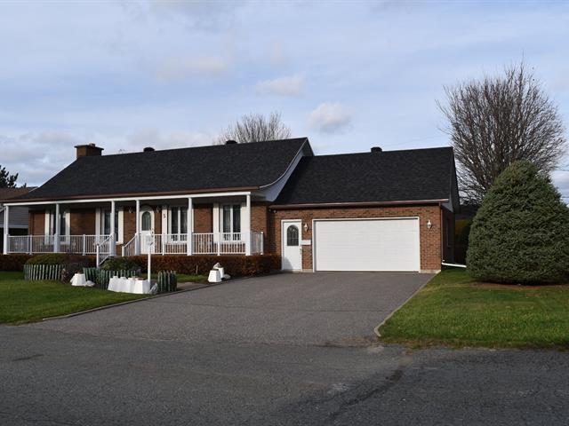 Maison à vendre à Victoriaville, Centre-du-Québec, 5, Rue  Massue, 14591239 - Centris.ca