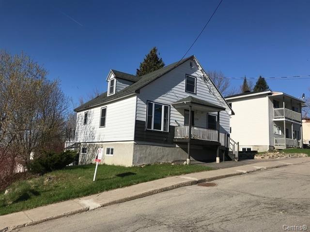 Maison à vendre à Brownsburg-Chatham, Laurentides, 279, Rue  Elmwood, 27004202 - Centris.ca
