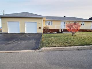 House for sale in Port-Cartier, Côte-Nord, 5, Place  McCormick, 10297003 - Centris.ca