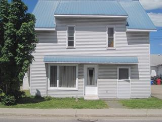 Triplex à vendre à Saint-André-Avellin, Outaouais, 93, Rue  Principale, 28458596 - Centris.ca