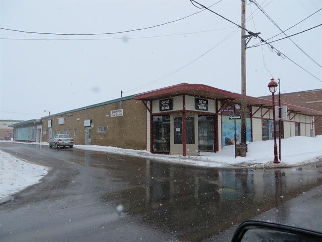 Local commercial à louer à Mont-Joli, Bas-Saint-Laurent, 1510, boulevard  Jacques-Cartier, 14460022 - Centris.ca
