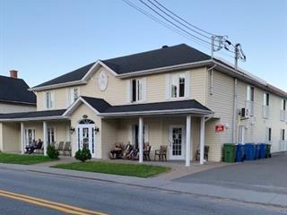 Immeuble à revenus à vendre à Sainte-Thècle, Mauricie, 410, Rue  Saint-Jacques, 12853100 - Centris.ca