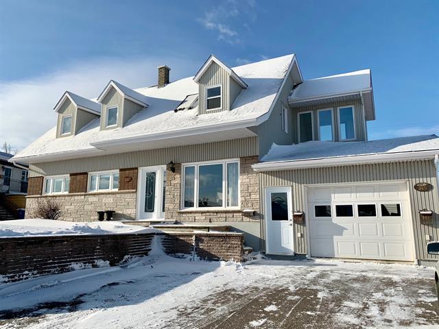 Maison à vendre à Saguenay (La Baie), Saguenay/Lac-Saint-Jean, 383Z - 385Z, Rue de la Terrasse-Bellevue, 27823995 - Centris.ca