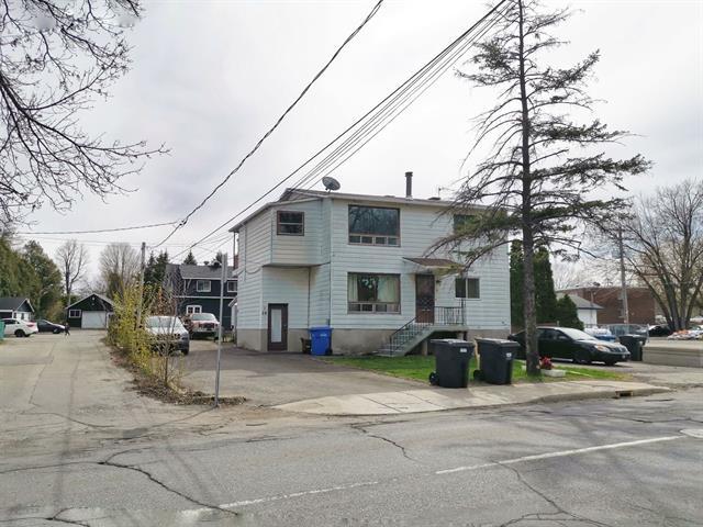 Triplex à vendre à L'Île-Perrot, Montérégie, 28 - 32, boulevard  Perrot, 15859891 - Centris.ca