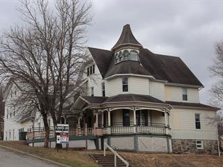 Immeuble à revenus à vendre à Saint-Damien-de-Buckland, Chaudière-Appalaches, 160, Rue  Commerciale, 9022779 - Centris.ca