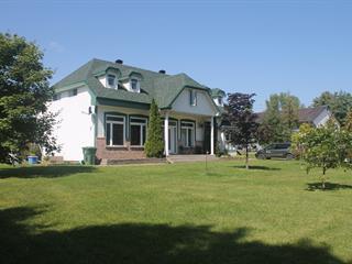 Triplex à vendre à Saint-Georges-de-Clarenceville, Montérégie, 1837 - 1837B, Chemin  Lakeshore, 27970208 - Centris.ca