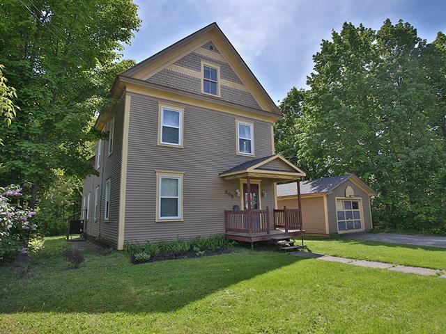 Maison à vendre à Coaticook, Estrie, 205, Rue  Cutting, 10693564 - Centris.ca