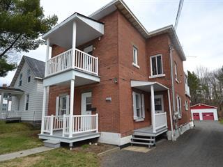 Triplex for sale in Victoriaville, Centre-du-Québec, 32 - 32B, Rue  Saint-Philippe, 10101024 - Centris.ca