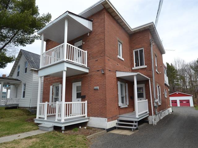 Triplex à vendre à Victoriaville, Centre-du-Québec, 32 - 32B, Rue  Saint-Philippe, 10101024 - Centris.ca
