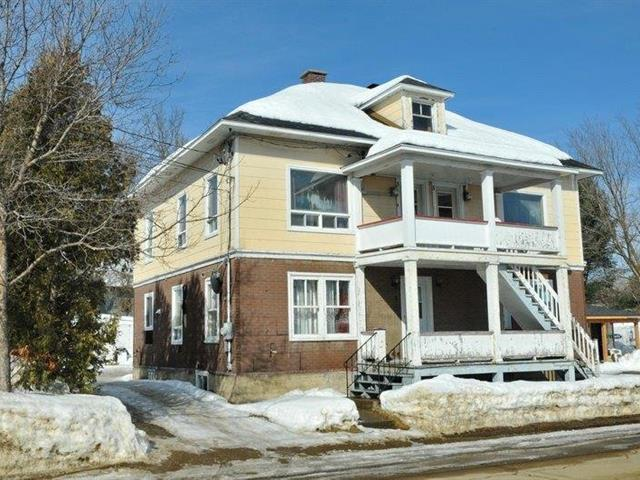 Triplex for sale in Baie-Saint-Paul, Capitale-Nationale, 1 - 5, Rue  Morin, 13789684 - Centris.ca