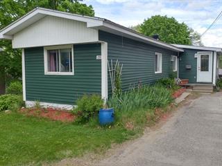 Maison mobile à vendre à Coaticook, Estrie, 235, Rue  Cutting, 28266845 - Centris.ca