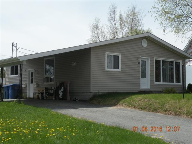 Maison à vendre à La Sarre, Abitibi-Témiscamingue, 29, Rue  Audet, 26641817 - Centris.ca