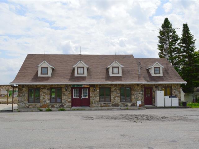 Immeuble à revenus à vendre à Grenville, Laurentides, 1619, Route  148, 27978259 - Centris.ca