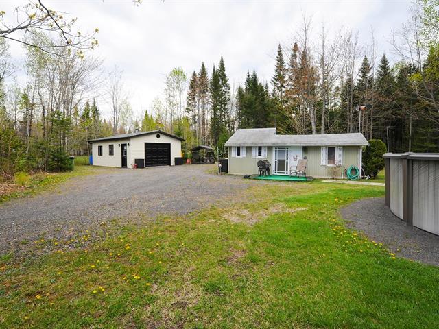 Cottage for sale in Saint-Apollinaire, Chaudière-Appalaches, 352 - 354, Rue des Bois, 15126381 - Centris.ca
