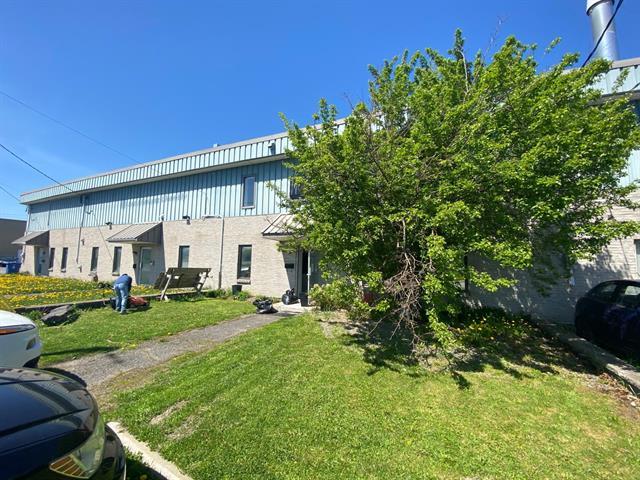 Bâtisse commerciale à vendre à Chambly, Montérégie, 906, Avenue  Simard, 13408649 - Centris.ca
