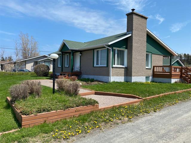 House for sale in Sainte-Flavie, Bas-Saint-Laurent, 537, Route de la Mer, 10714022 - Centris.ca