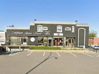 Local commercial à louer à Laval (Fabreville), Laval, 327 - 335, boulevard  Curé-Labelle, 15725995 - Centris.ca