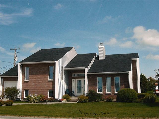 House for sale in Normandin, Saguenay/Lac-Saint-Jean, 905, Rue du Centre-Sportif, 13786259 - Centris.ca