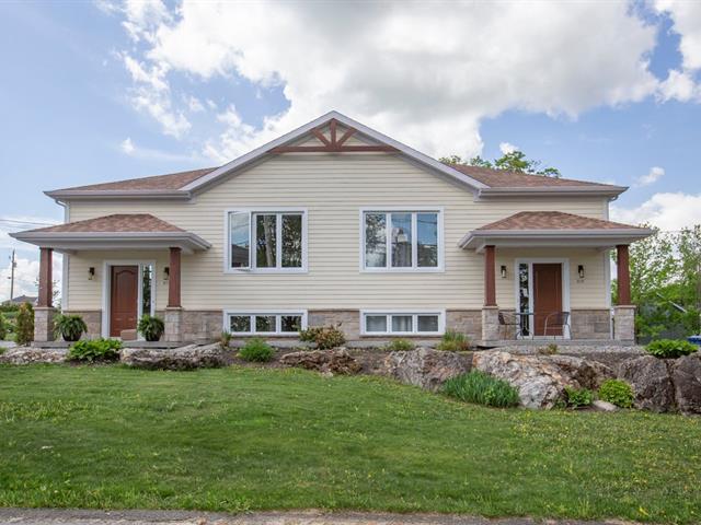 Duplex for sale in Saint-Sylvestre, Chaudière-Appalaches, 211 - 215, Rue  Sainte-Catherine, 9176737 - Centris.ca