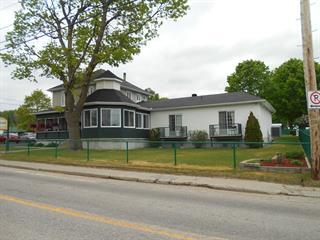 Maison à vendre à Notre-Dame-du-Laus, Laurentides, 140, Rue  Principale, 21908760 - Centris.ca