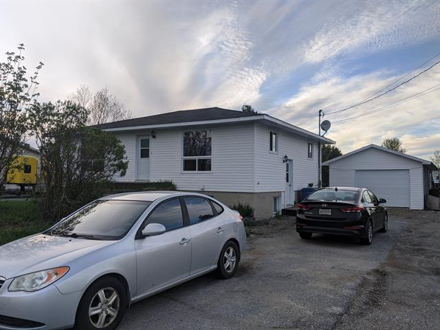House for sale in Landrienne, Abitibi-Témiscamingue, 211A - 211B, Avenue  Principale Ouest, 12829430 - Centris.ca