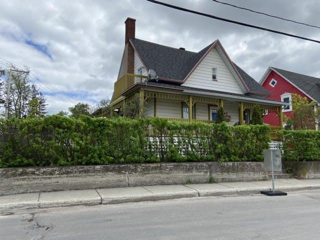 Triplex for sale in Mont-Joli, Bas-Saint-Laurent, 67, Avenue de la Grotte, 11032046 - Centris.ca