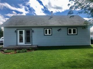 Maison à vendre à Pointe-à-la-Croix, Gaspésie/Îles-de-la-Madeleine, 5, Rue  Chouinard, 21756861 - Centris.ca