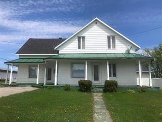 Maison à vendre à Métabetchouan/Lac-à-la-Croix, Saguenay/Lac-Saint-Jean, 231, Rue  Saint-Louis, 19749061 - Centris.ca