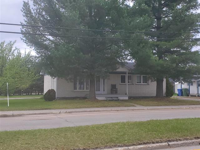 Maison à vendre à Saint-David-de-Falardeau, Saguenay/Lac-Saint-Jean, 218, boulevard  Desgagné, 12915833 - Centris.ca
