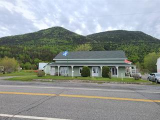Maison à vendre à Rivière-à-Claude, Gaspésie/Îles-de-la-Madeleine, 630, Rue  Principale Est, 15282327 - Centris.ca