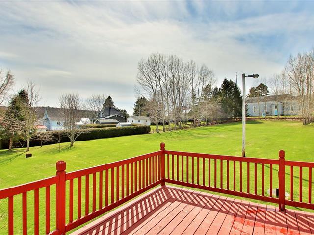 Duplex à vendre à Notre-Dame-de-Ham, Centre-du-Québec, 27, Rue  Principale, 13423948 - Centris.ca
