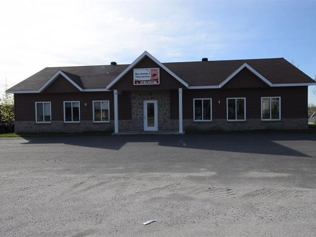Commercial building for sale in Tring-Jonction, Chaudière-Appalaches, 304, Rue  Notre-Dame, 26159764 - Centris.ca