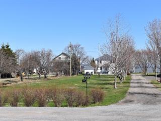 Terrain à vendre à Petite-Rivière-Saint-François, Capitale-Nationale, Rue  René-De La Voye, 24714605 - Centris.ca
