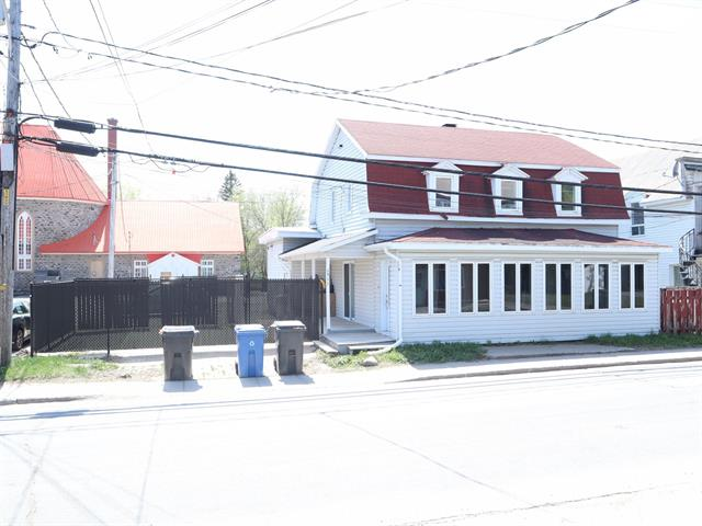 Duplex for sale in Saint-Maurice, Mauricie, 1511 - 1513, Rue  Notre-Dame, 10352224 - Centris.ca