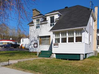 Maison à vendre à Baie-Comeau, Côte-Nord, 129, boulevard  La Salle, 27706473 - Centris.ca