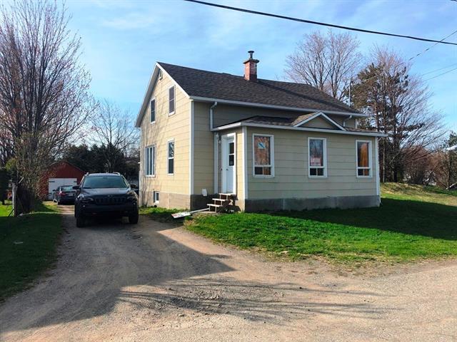 Maison à vendre à Saint-Lazare-de-Bellechasse, Chaudière-Appalaches, 132, Rue  Saint-Louis, 28490983 - Centris.ca