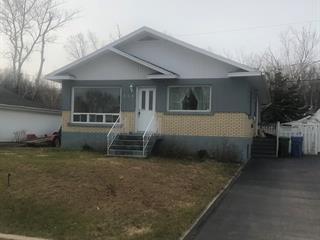Maison à vendre à Baie-Comeau, Côte-Nord, 864, Rue  LaBrie, 24948849 - Centris.ca