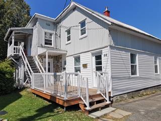 Triplex à vendre à Thetford Mines, Chaudière-Appalaches, 42 - 44, Rue  Saint-Pierre, 21929969 - Centris.ca