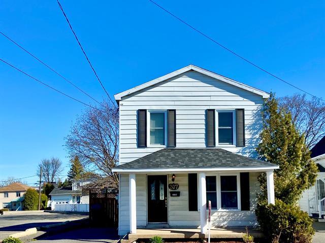 House for sale in Sorel-Tracy, Montérégie, 207A, Avenue de l'Hôtel-Dieu, 22836942 - Centris.ca