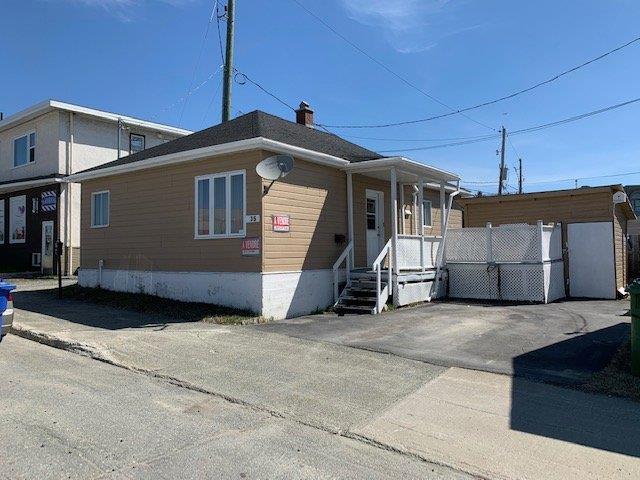 House for sale in Rouyn-Noranda, Abitibi-Témiscamingue, 35, Avenue  Dallaire, 9142602 - Centris.ca