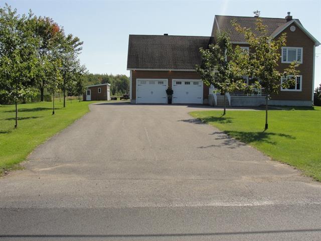 Maison à vendre à Bécancour, Centre-du-Québec, 11955, Chemin du Saint-Laurent, 22022552 - Centris.ca