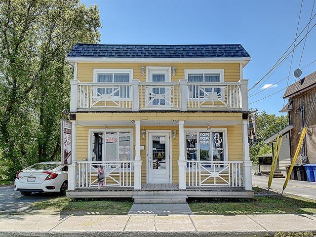 Triplex for sale in Terrebonne (Terrebonne), Lanaudière, 538 - 540, Rue  Saint-Louis, 14027213 - Centris.ca