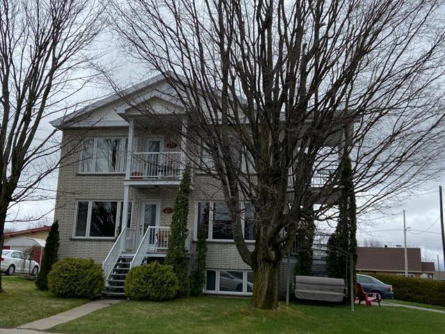 Triplex à vendre à Asbestos, Estrie, 447, Rue  Lafrance, 15400239 - Centris.ca